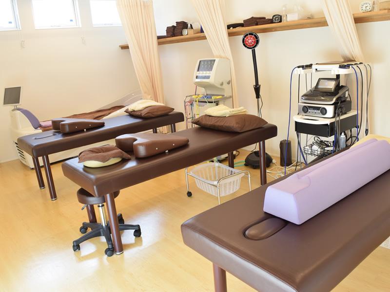 ふく鍼灸整骨院 施術台